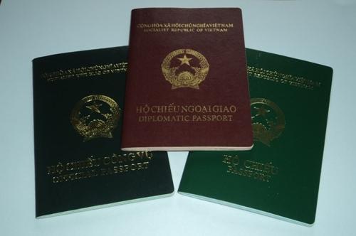 Một người Việt có thể sở hữu tối đa 3 hộ chiếu
